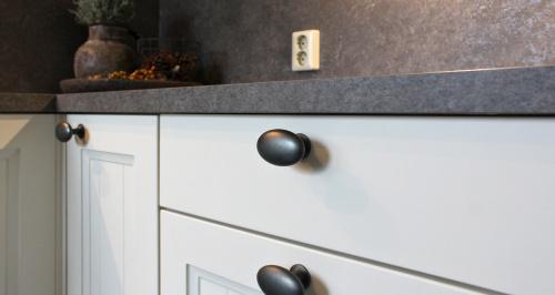 keuken ferwert friesland met zwarte knop greep