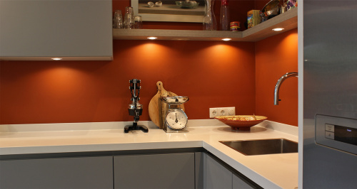 keuken met wit werkblad