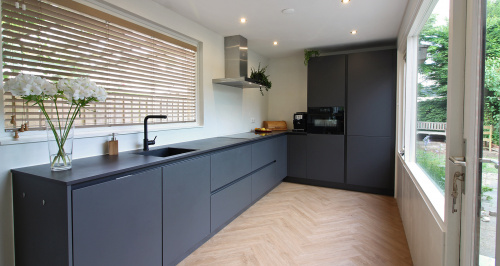 zwarte keuken zwart blad