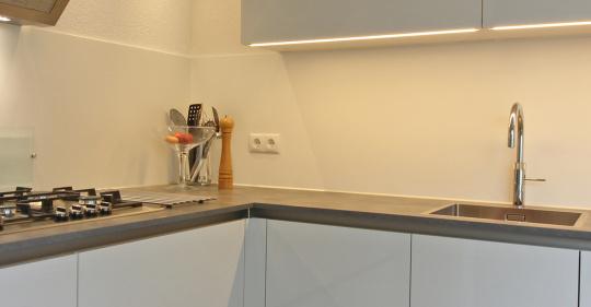 greeploze hoogglans witte keuken